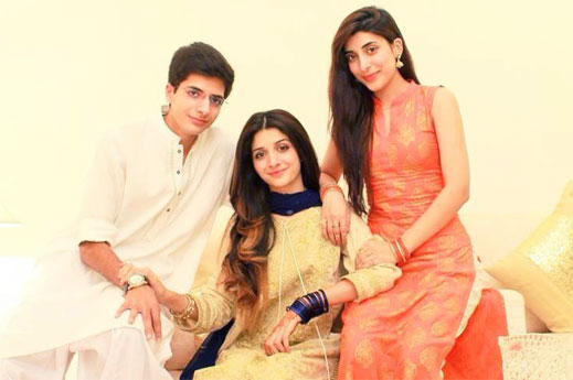 mawra-hocane-with-ins-yazdan-and-urwa